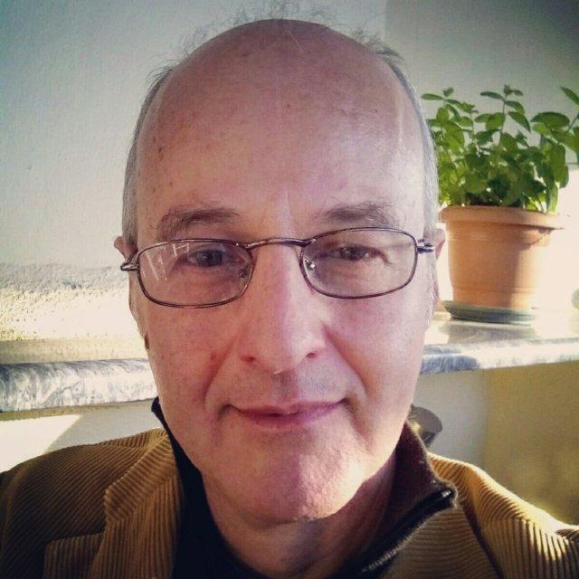 Αθανασιος Κολλυρης, Athanassios Kollyris: Social Media Manager, Content Manager, UX Designer.