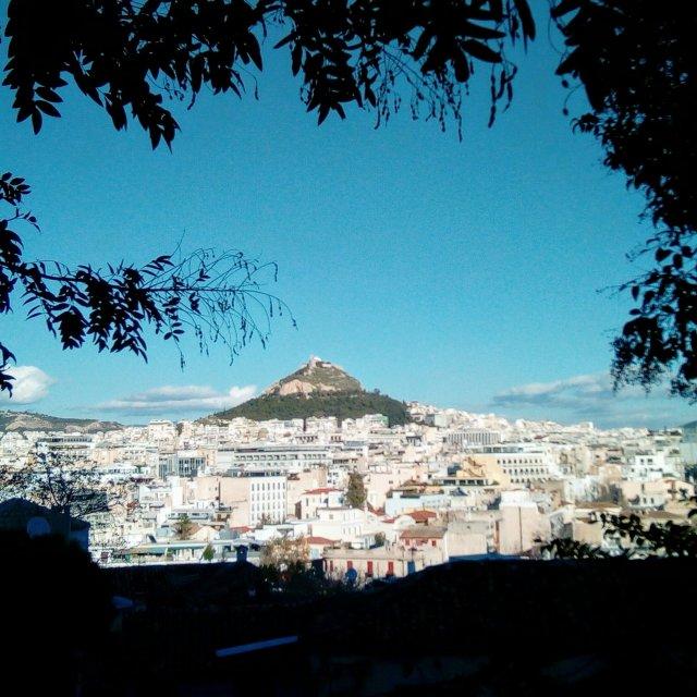 Η Αθήνα από τα Αναφιώτικα - Athens view from Anafiotika