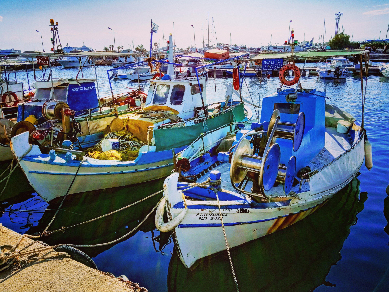 Ψαρόβαρκες - Fishing boats