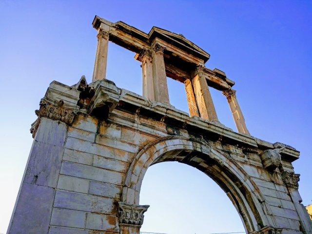 Η πύλη εισόδου τής Αθήνας - The entrance gate of Athens