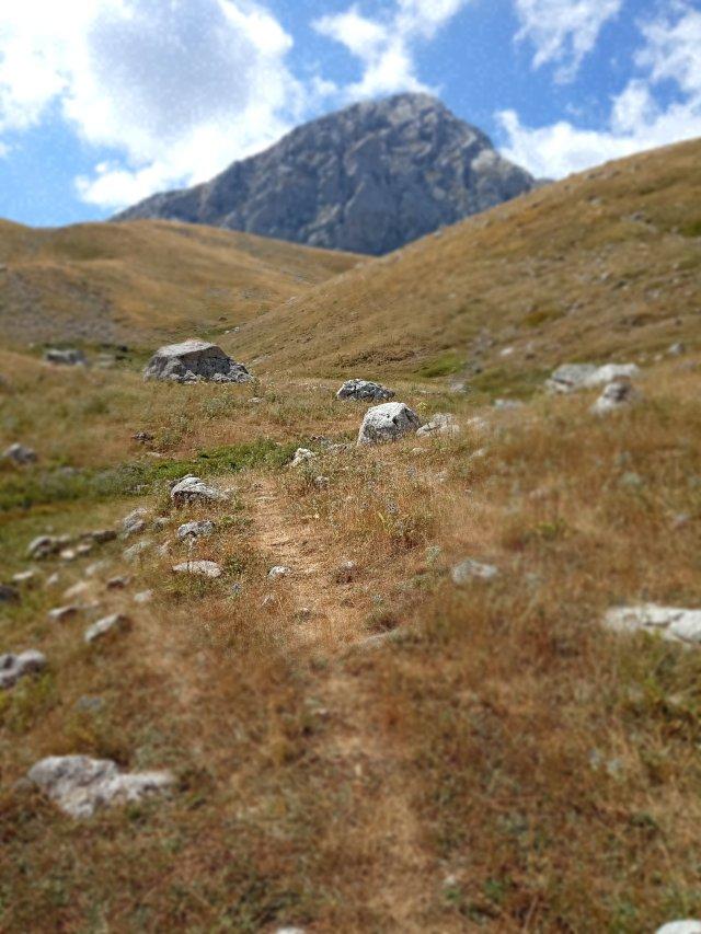 Ανάβαση προς την κορυφή της Γκιώνας (Πυραμίδα) - Climbing towards the top of the mountain (the Pyramid)